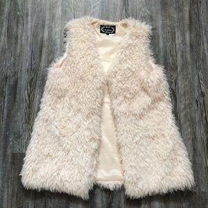 Like New White Faux Fur Vest size M